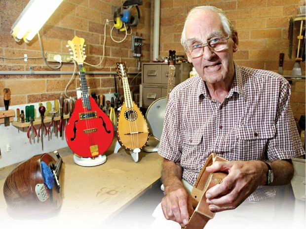 Maurice Briggs, stringed instrument maker